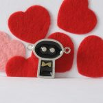 Gentil robot est marié, sterling silver and resin pendant , no.307b