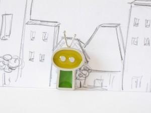 Gentil robot avec des antennes, pendentif argent sterling et résine, no 350