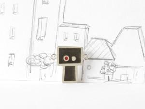 Gentil robot devient légèrement fou, pendentif argent sterling, résine et béton, no 330