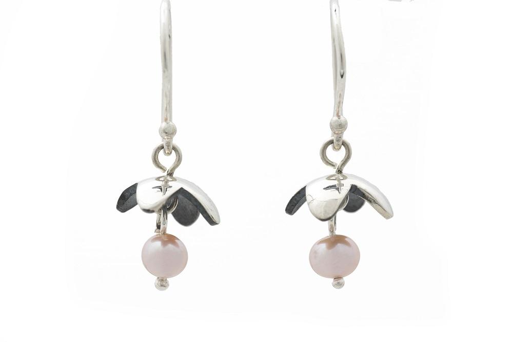 Boucles d'oreilles en argent sterling et perle, no 204