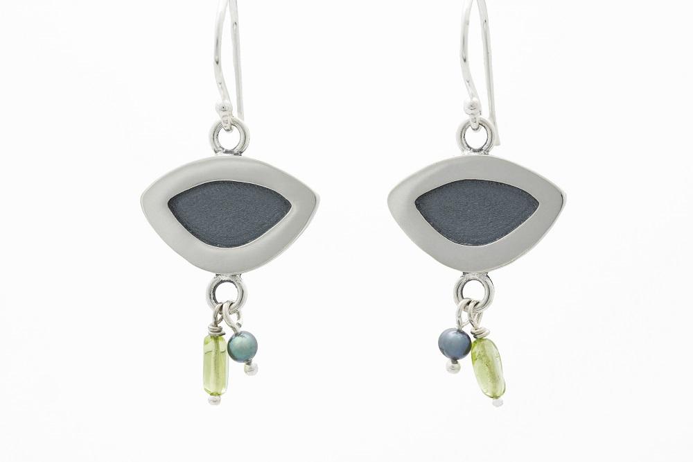 Boucles d'oreilles en argent sterling, péridot et perle, no 213
